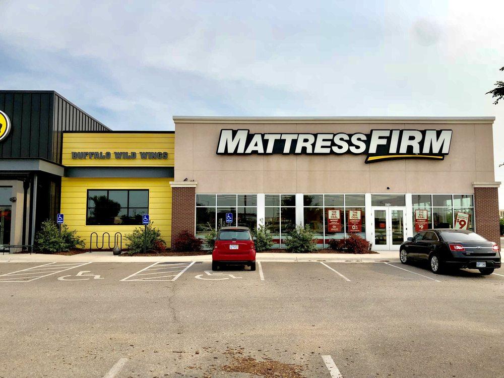 Mattress Firm Hutchinson: 1712 N Waldon St, Hutchinson, KS
