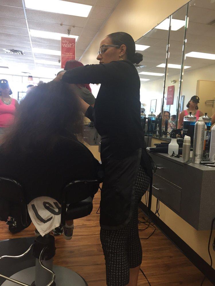 Holiday Hair: 140 Sara Way, N Belle Vernon, PA