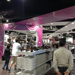 new arrival e2621 e9015 Boscaini Scarpe - Shoe Stores - Via Karl Marx 2, Bancole di ...