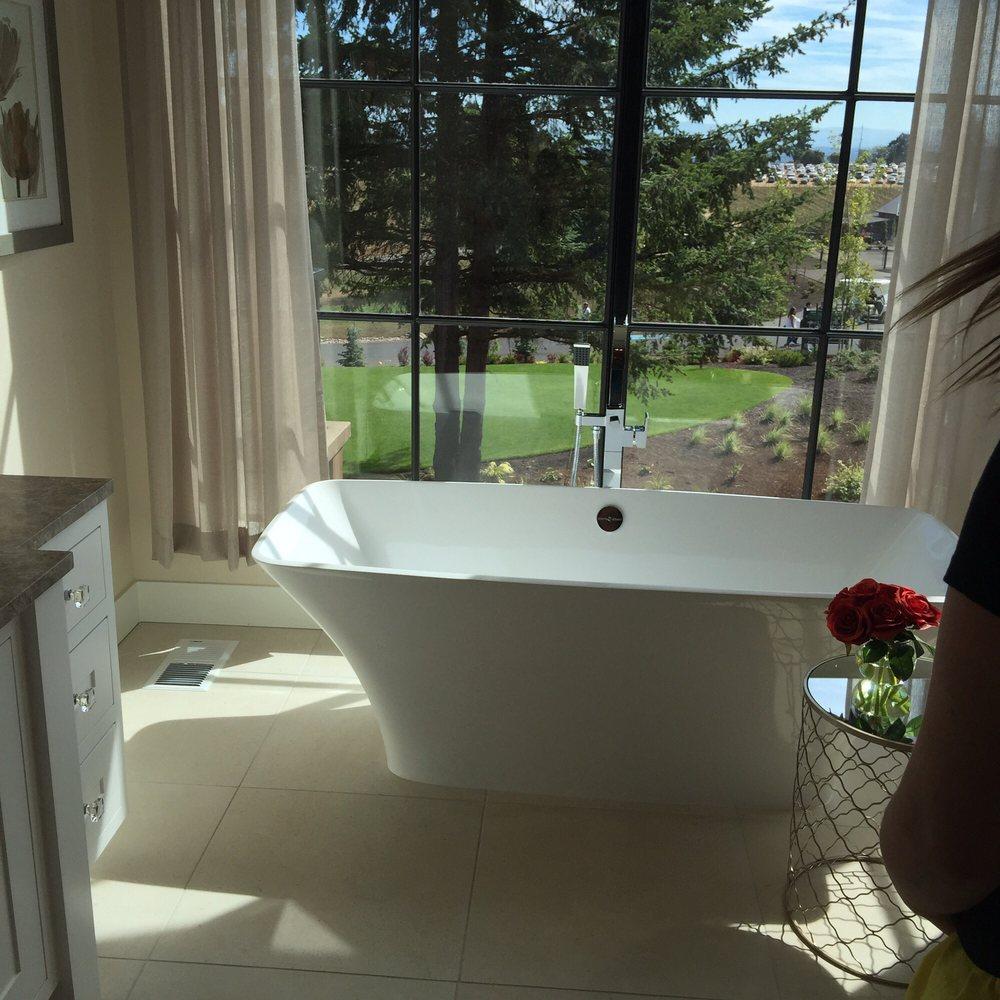 Beautiful Bathrooms With Bidet: Beautiful Bathrooms With Lots Of Windows