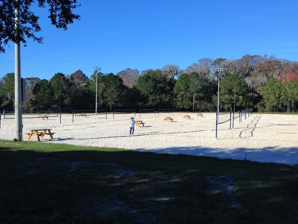The Hickory Point Recreation Facility: 27341 Florida 19, Tavares, FL