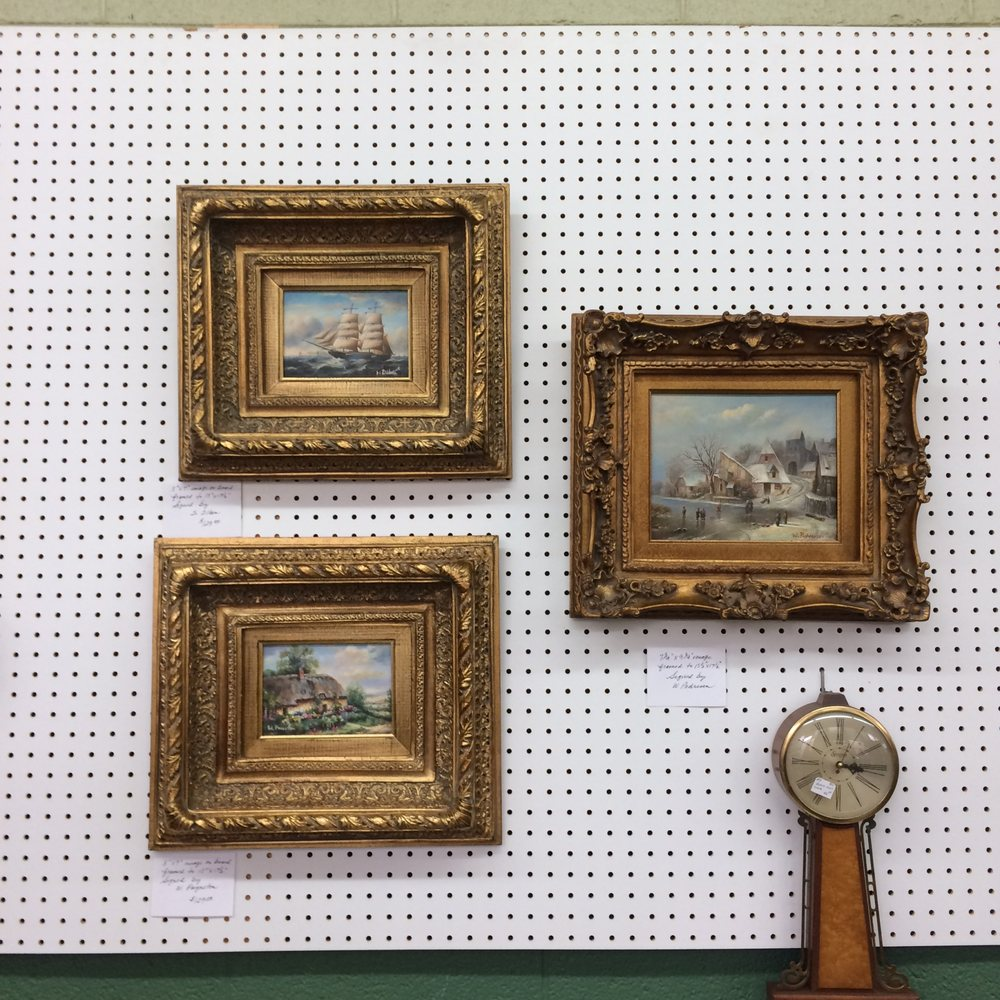 Dave's Antiques: 37669 US Hwy 11, Hammondville, AL