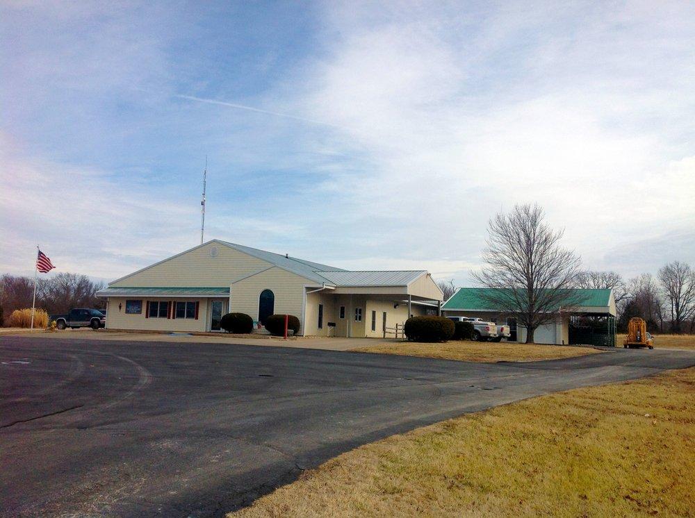 Nevada Veterinary Clinic: 1935 S Ash St, Nevada, MO