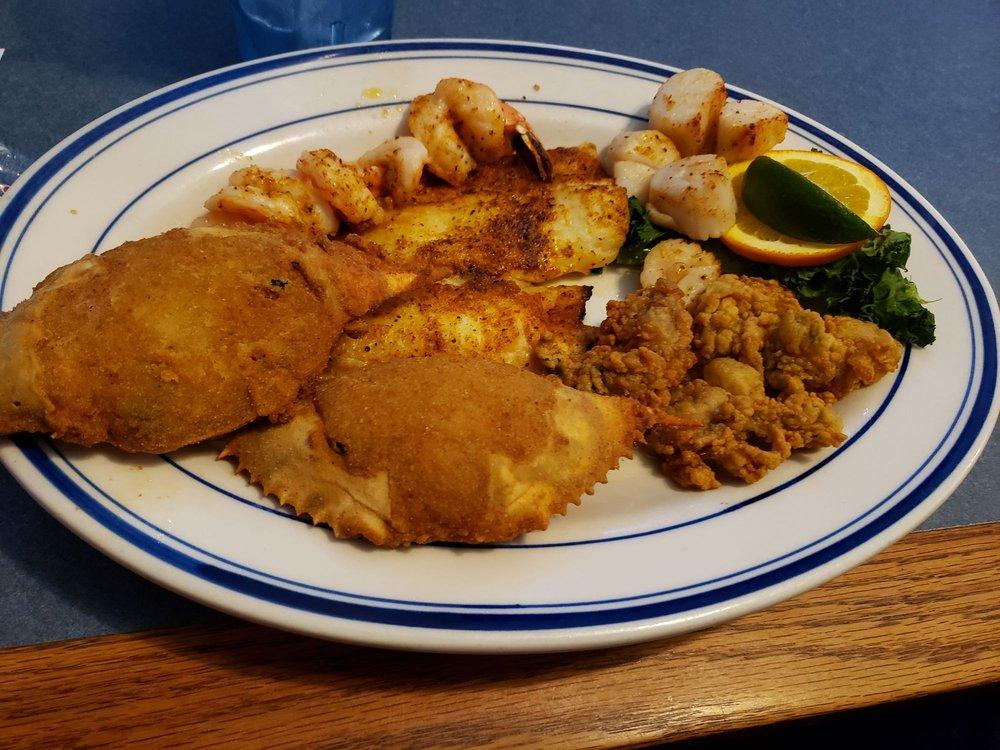 Bay Breeze Seafood Restaurant: 11440 Tara Blvd, Hampton, GA