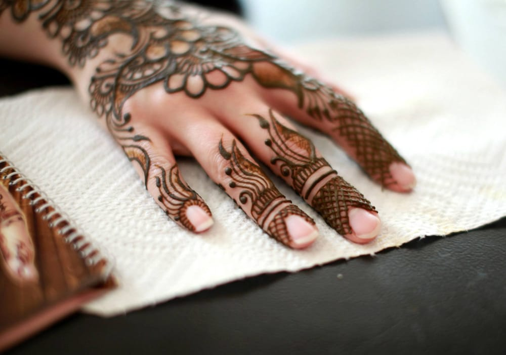 Henna Party Etiquette : Crescent moon henna photos reviews artists