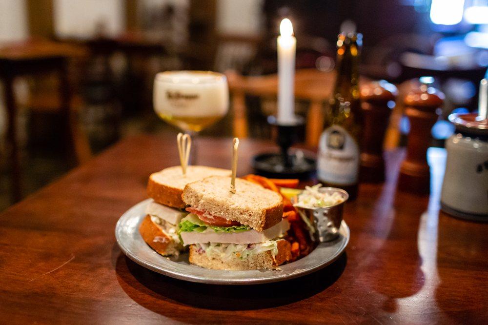 Jessop's Tavern: 114 Delaware St, New Castle, DE
