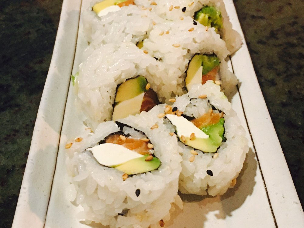 Sugoi Sushi: 1245 E Pacheco Blvd, Los Banos, CA