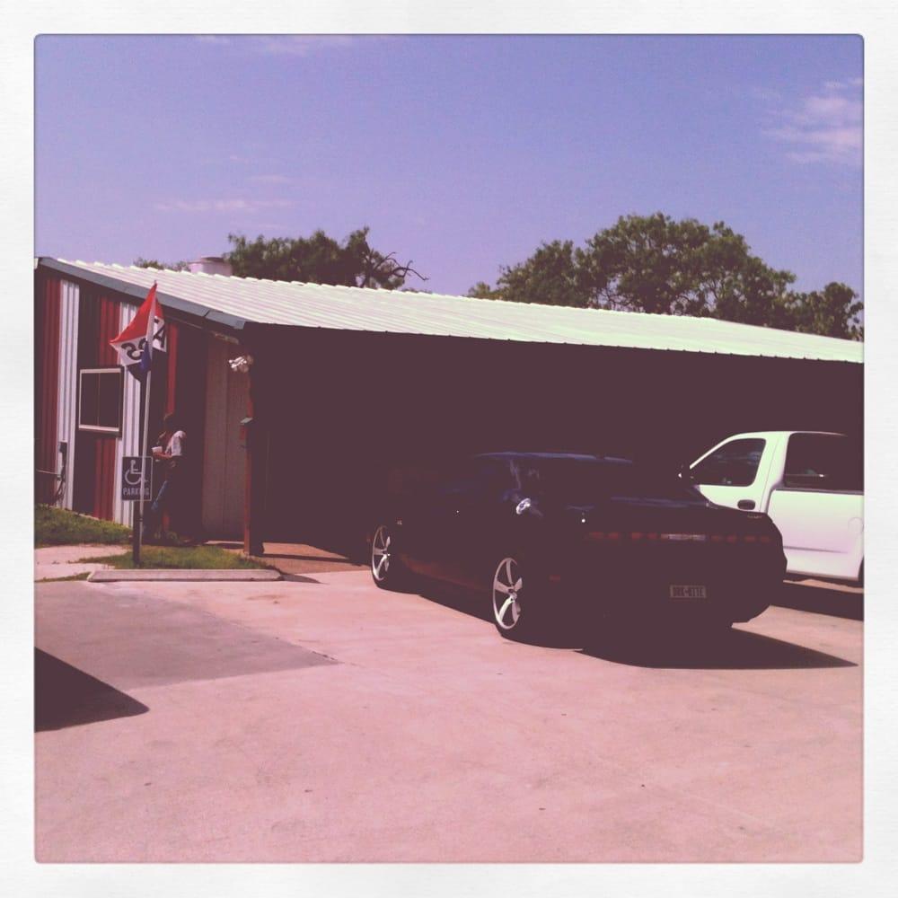 Becky's Cafe: 201 W Calvert Ave, Karnes City, TX