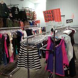 Fashion avenue clothes store 30