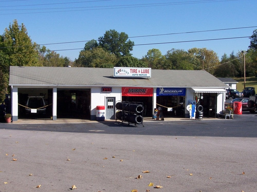 Bookout's Texaco Tire & Lube Express: 801 Tennessee Ave, Etowah, TN