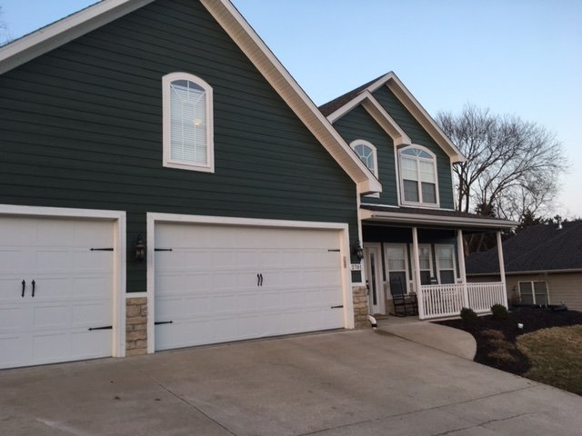 A Touch Above Painting: 2504 Grandview Cir, Columbia, MO
