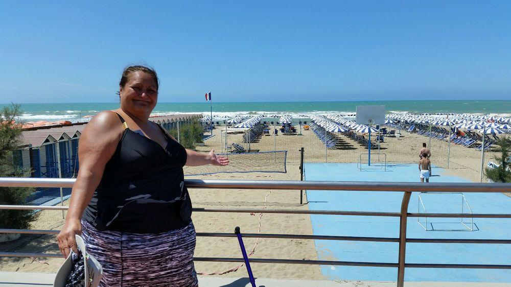 Castiglioncello finalmente è tornata la spiaggia nella baia