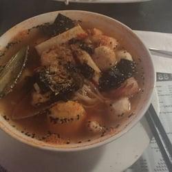 Asian hut restaurant cocina vietnamita 320 avenue c s for Asian cuisine saskatoon menu
