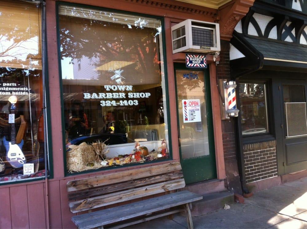 Town Barber Shop: 203 Farnsworth Ave, Bordentown, NJ
