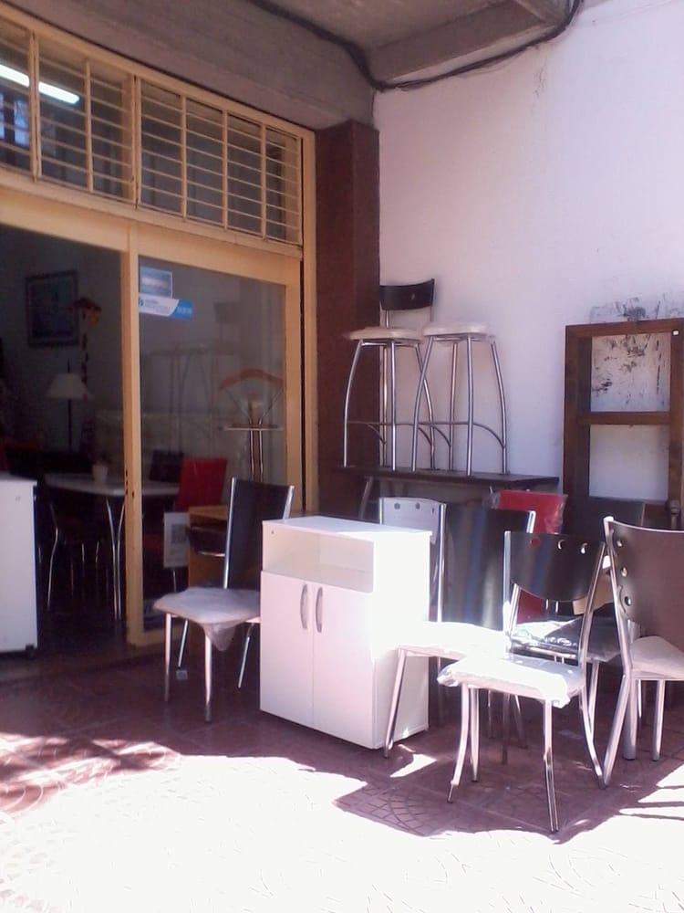 Muebles De Living En La Vereda Del Negocio Yelp