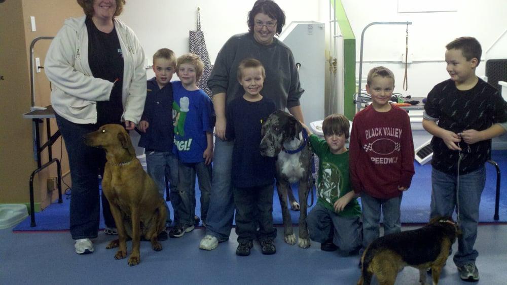 Dirty Dawgs Self Serve Pet Wash & Groom: 12770 Newell Ae, Lindstrom, MN
