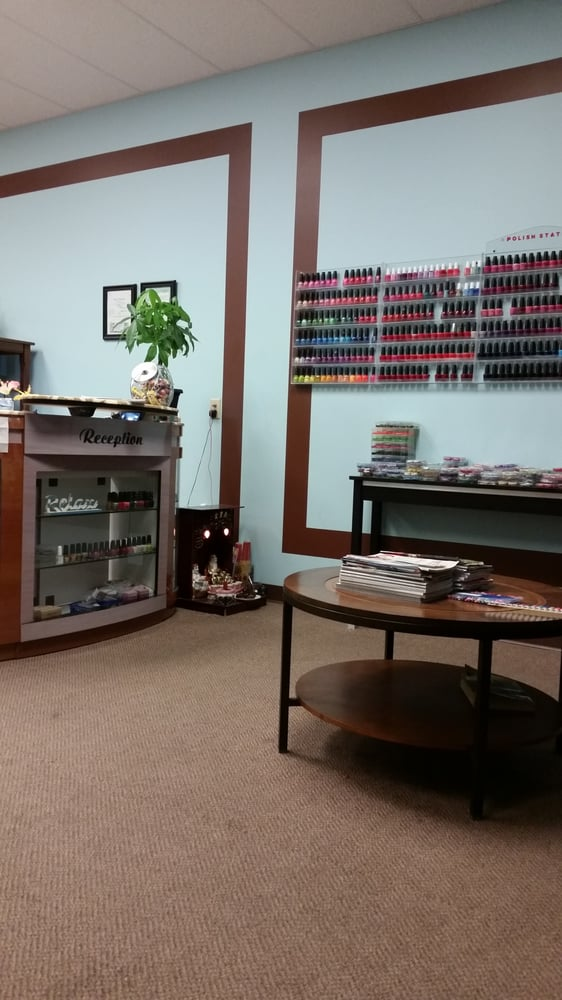 Serenity Nails: 2390 Diers Ave, Grand Island, NE