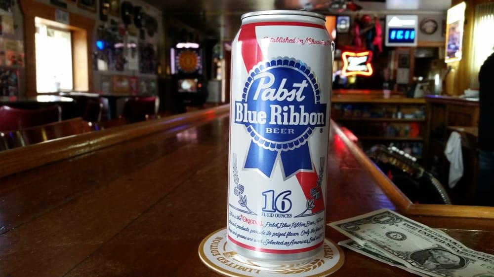 Knucklehead's Tavern: 108 E N St, Elburn, IL