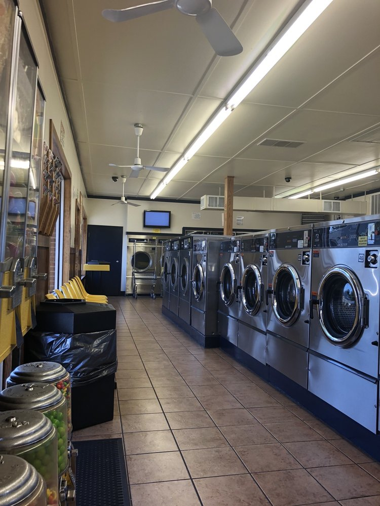 Valley Coin Laundry: 511 US-211 Bus, Luray, VA