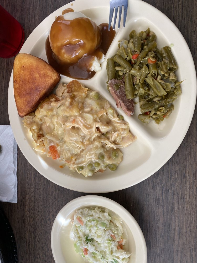 The Cafe: 710 Middleton Rd, Winona, MS