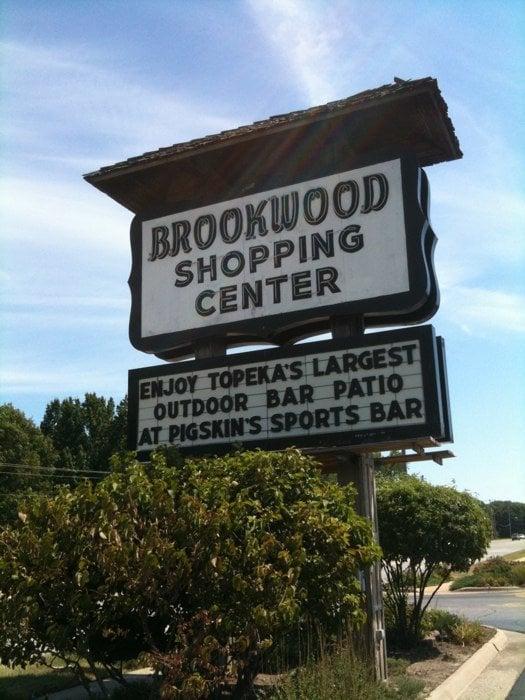 Brookwood Shopping Center: 2709 SW 29th St, Topeka, KS