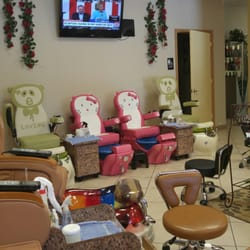 Four seasons hair nails day spa 33 photos 18 reviews for 4 seasons beauty salon