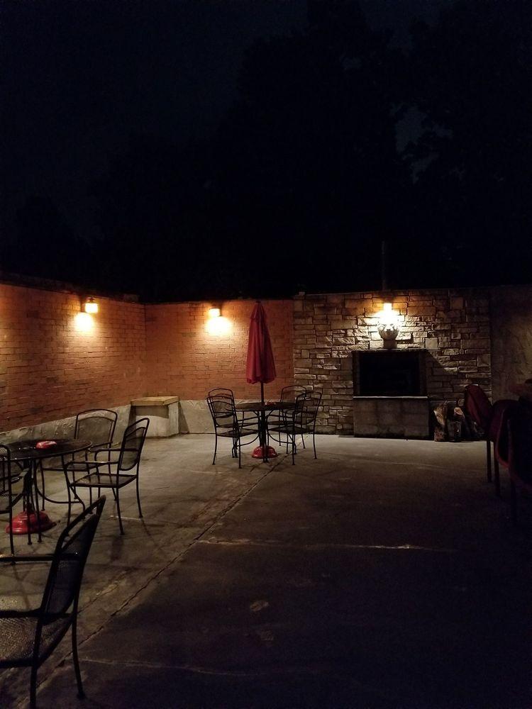Gunny's Mill: 1414 W Farm Road 102, Springfield, MO