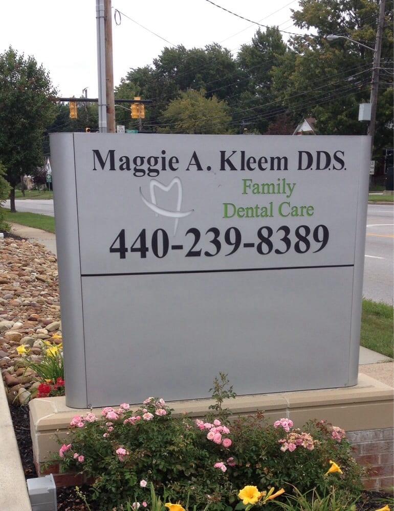 Maggie A Kleem, DDS: 352 W Bagley Rd, Berea, OH