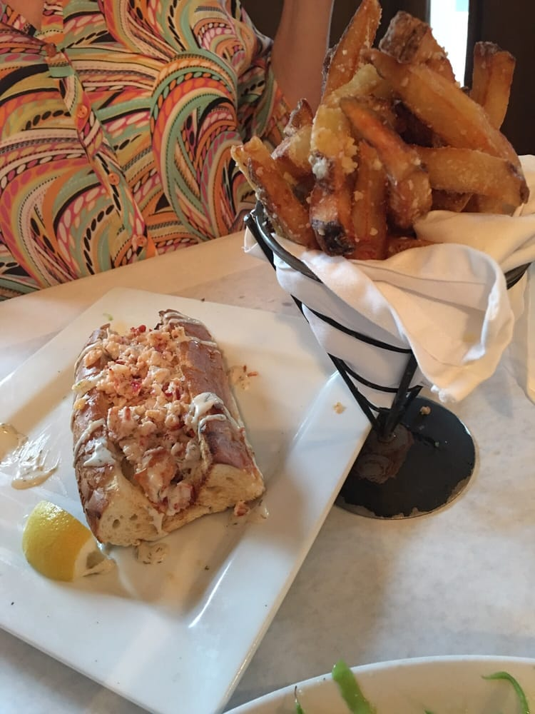 Lobster roll and truffle fries yelp for Fish thyme acworth