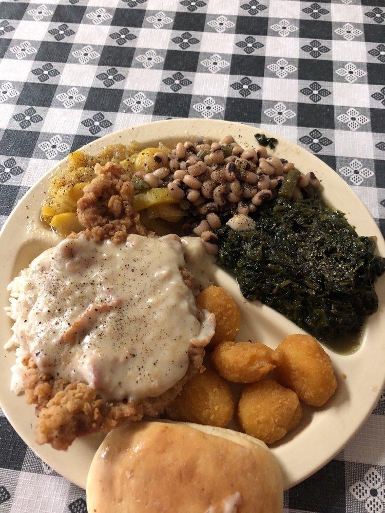 J & E's Country Restaurant: 232 Walnut Ave S, Leesburg, GA
