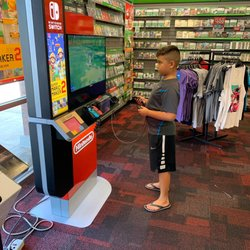GameStop - 13 Photos & 29 Reviews - Videos & Video Game