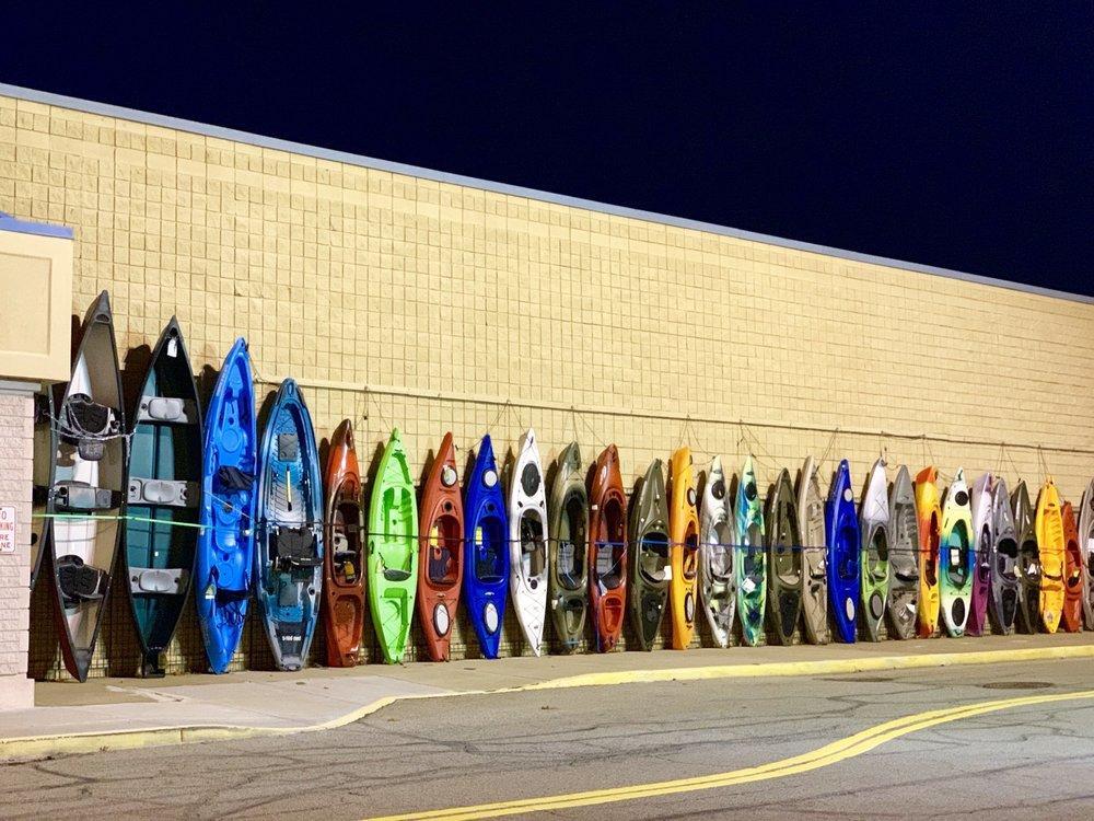 Dunham's Sports: 200 Northtowne Sq, Gibsonia, PA