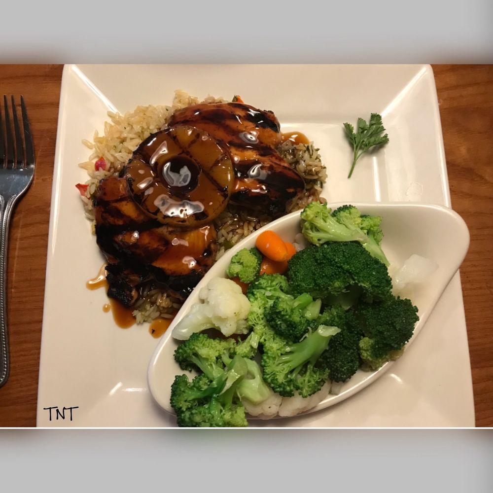 Colton's Steakhouse & Grill: 1300 Maple St, Farmington, MO