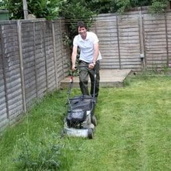 Cheap gardening services 10 photos gardeners 71b the for Cheap garden maintenance