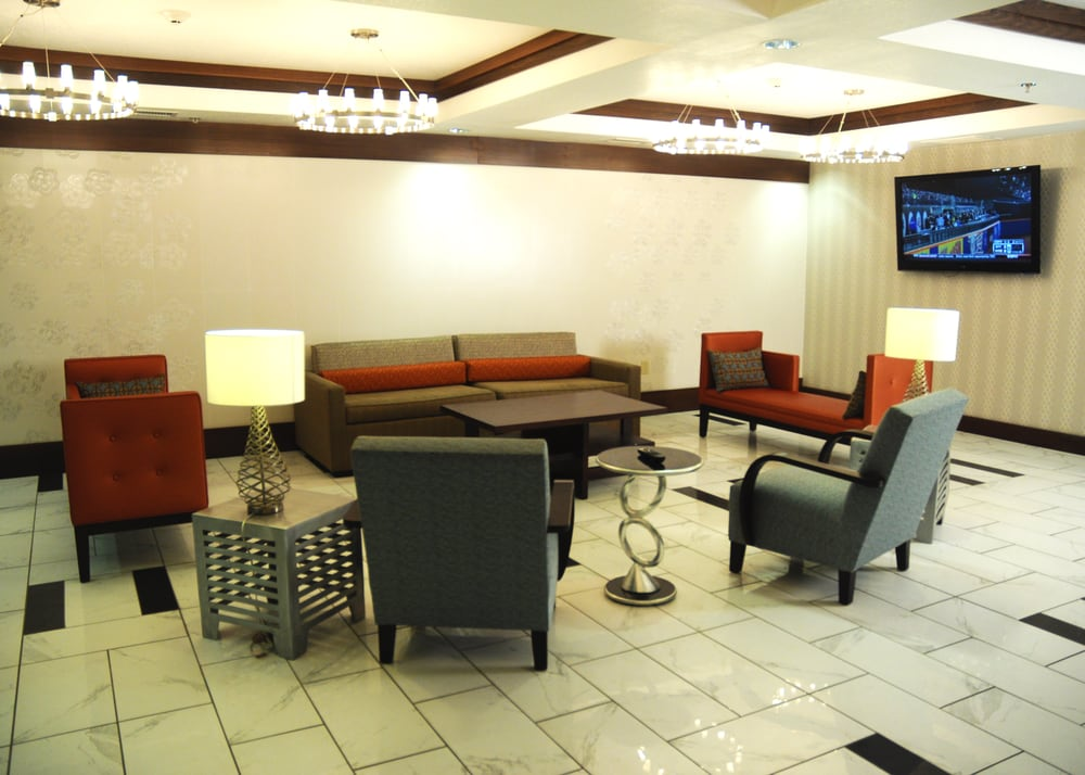 Holiday Inn Express & Suites Greenfield: 321 Barrett Dr, Greenfield, IN