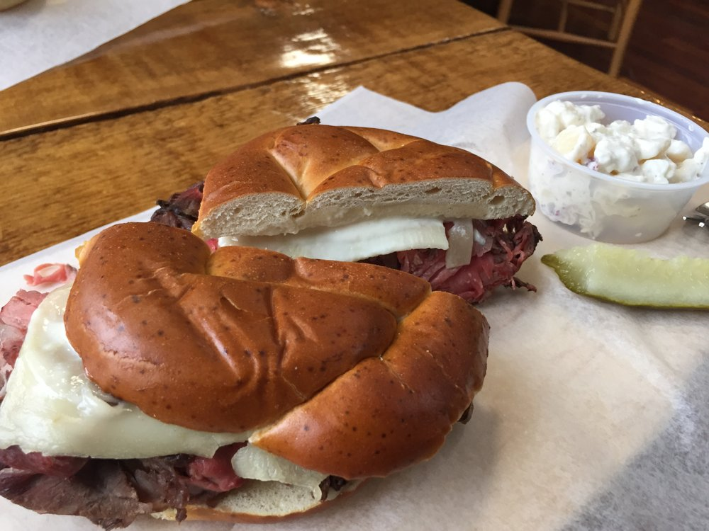 LinCross Roast Beef and More: 16 Pleasant St, Bristol, NH