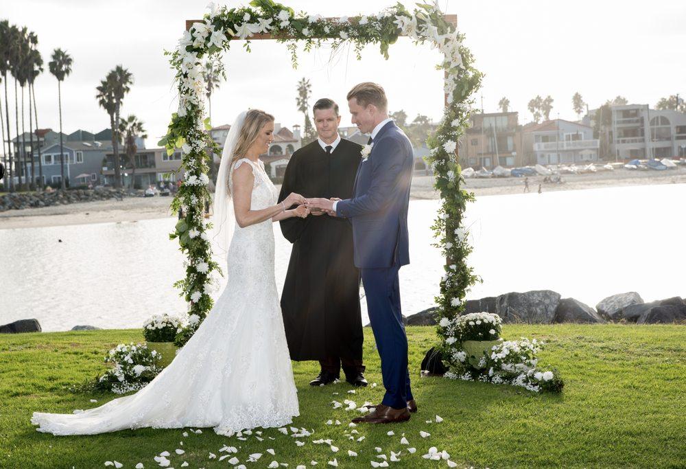 Wedding-Pastor.com