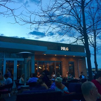 Photo Of Mlg Chicago Lake Forest Il United States Patio At Dusk
