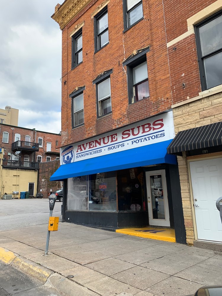 Avenue Subs: 113 Iowa Ave, Muscatine, IA