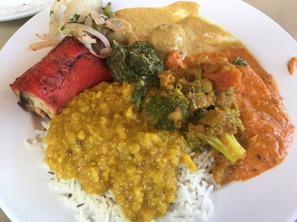 Buffet Chicken Tikka Tandoori Chicken Saag Paneer
