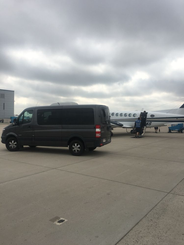 24/7 Denver Airport Limo And Car Service: 300 Center Dr, Louisville, CO