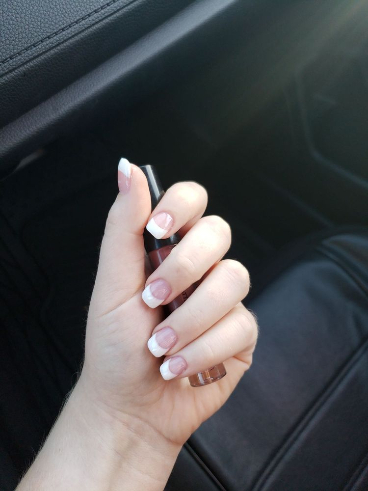 Luxury Nails Salon: 1313 N H St, Lompoc, CA