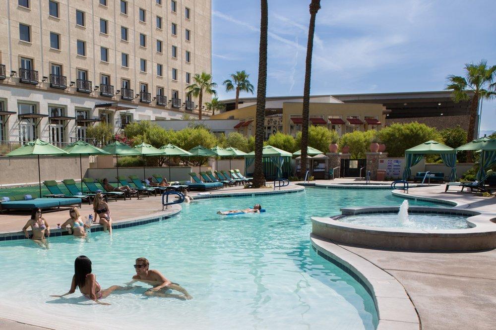 Fantasy springs casino restaurants