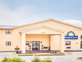 Days Inn by Wyndham Athens: 1322 Highway 72 East, Athens, AL