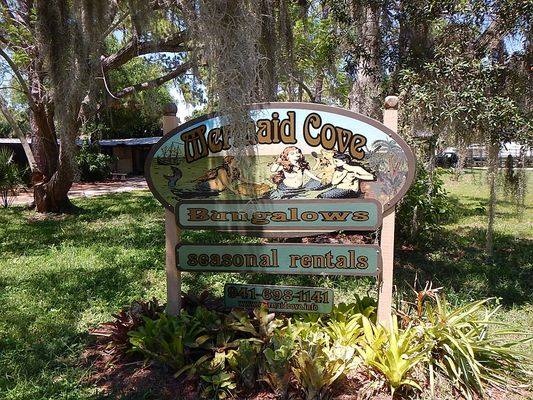 Mermaid Cove Bungalows - Vacation Rentals - 121 Cedar St ...