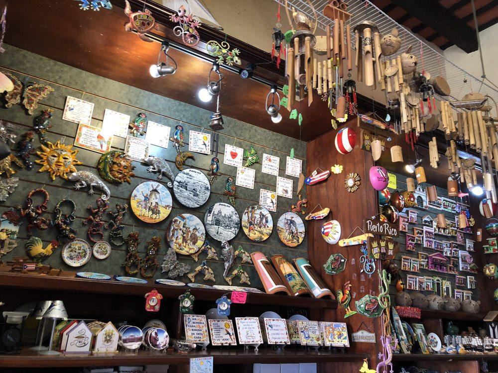 Souvenir Outlet: Calle Tanca 255, Old San Juan, PR