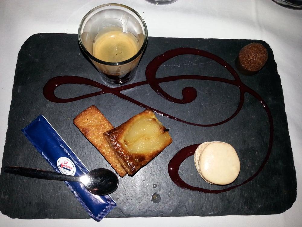 Le Café de la Place: 314 rue Saint-Sauveur, Le Cannet, 06