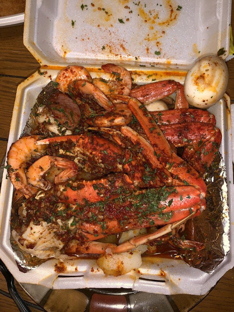Food from Garners Ferry Seafood & More