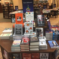 barnes and noble booksellers 39 photos \u0026 40 reviews newspapersphoto of barnes and noble booksellers south miami, fl, united states