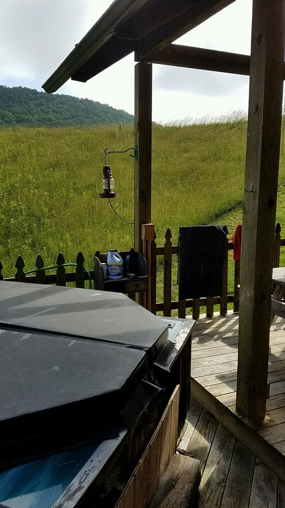 Locust Hill B&b And Cabin: 1525 Locust Hill, Marlinton, WV